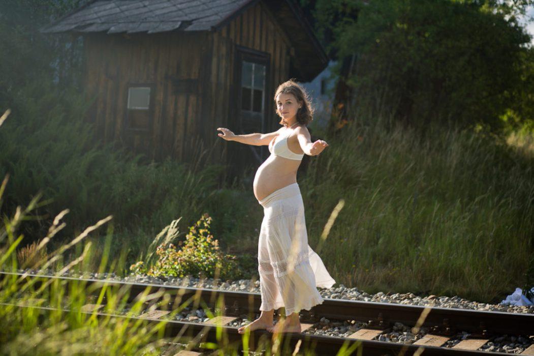 Těhotenství, mateřství a fotografie (kurz tvůrčího psaní a fotografie 2016)